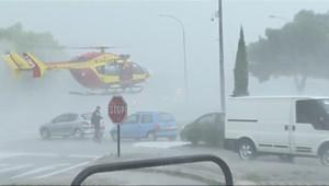 Le 13 heures du 10 octobre 2014 : Inondations : des habitants de la Calmette �cu�par h�copt� - 199.952