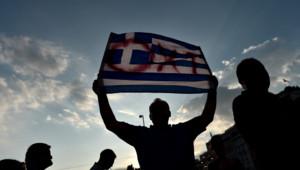 """Des partisans d'Alexis Tsipras manifestent pour le """"non"""" au référendum sur l'offre des créanciers de la Grèce"""