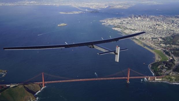 L'avion solaire Solar Impulse est arrivé le 24 avril 2016 en Californie