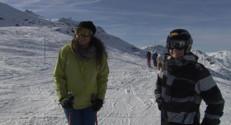 Le 13 heures du 24 novembre 2014 : Dans les Alpes, skieurs et commer�ts profitent d� des pistes - 1471.952
