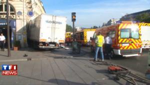 Un camion fonce dans une pizzeria à Paris : les images