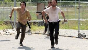 The Walking Dead Saison 3 Episode 4. Série créée par Frank Darabont en 2010. Avec : Andrew Lincoln, David Morrissey, Sarah Wayne Callies, Laurie Holden et Danai Gurira.