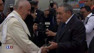 Cuba : le pape François accueilli par Raul Castro à La Havane