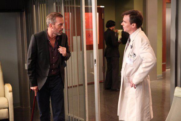 Dr House - Saison 8. Série créée par David Shore en 2004. Avec Robert Sean Leonard, Jesse Spencer, Hugh Laurie et Omar Epps