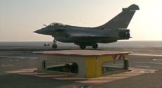 Le 13 heures du 27 février 2015 : A bord du Charles de Gaulle, des avions catapultés à 200 km/h en 2,5 secondes - 781.2607761230469