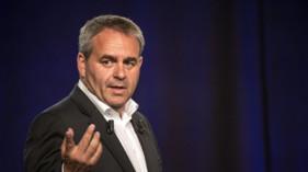 Xavier Bertrand lors d'un meeting à Bousbecque le 18 juin 2015