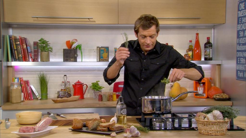 Saucisson confit au beaujolais nouveau petits plats en equilibre mytf1 - Mytf1 petit plat en equilibre ...