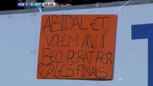 Le public du FC Barcelone rend hommage à Eric Abidal