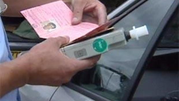 contrôle routier gendarme route alcool ethylotest