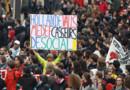 Des manifestants contre la loi travail à Paris le 19 mai 2016