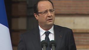 François Hollande rend hommage aux victimes de Mohamed Merah, un an après les tueries, le 17 mars 2013.