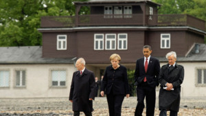 Obama, Angela Merkel et Elie Wiesel à Buchenwald, le 5 juin 2009