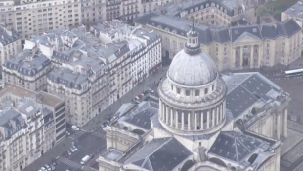Le 20 heures du 25 février 2015 : Sites sensibles survolés par des drones à Paris : le point sur l'enquête - 110.299