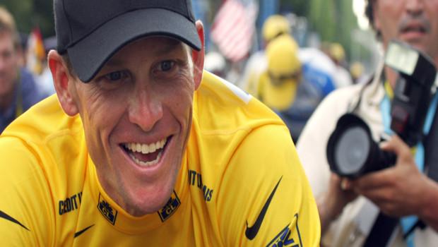 Le coureur cycliste Lance Armstrong lors de l'arrivée à Paris du Tour de France 2005