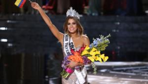 Miss Colombia, Ariadna Gutierrez-Arevalo, couronnée par erreur Miss Univers 2015 à Las Vegas le 20 décembre 2015