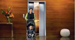 Otis invente le premier ascenseur fonctionnant avec des panneaux solaires